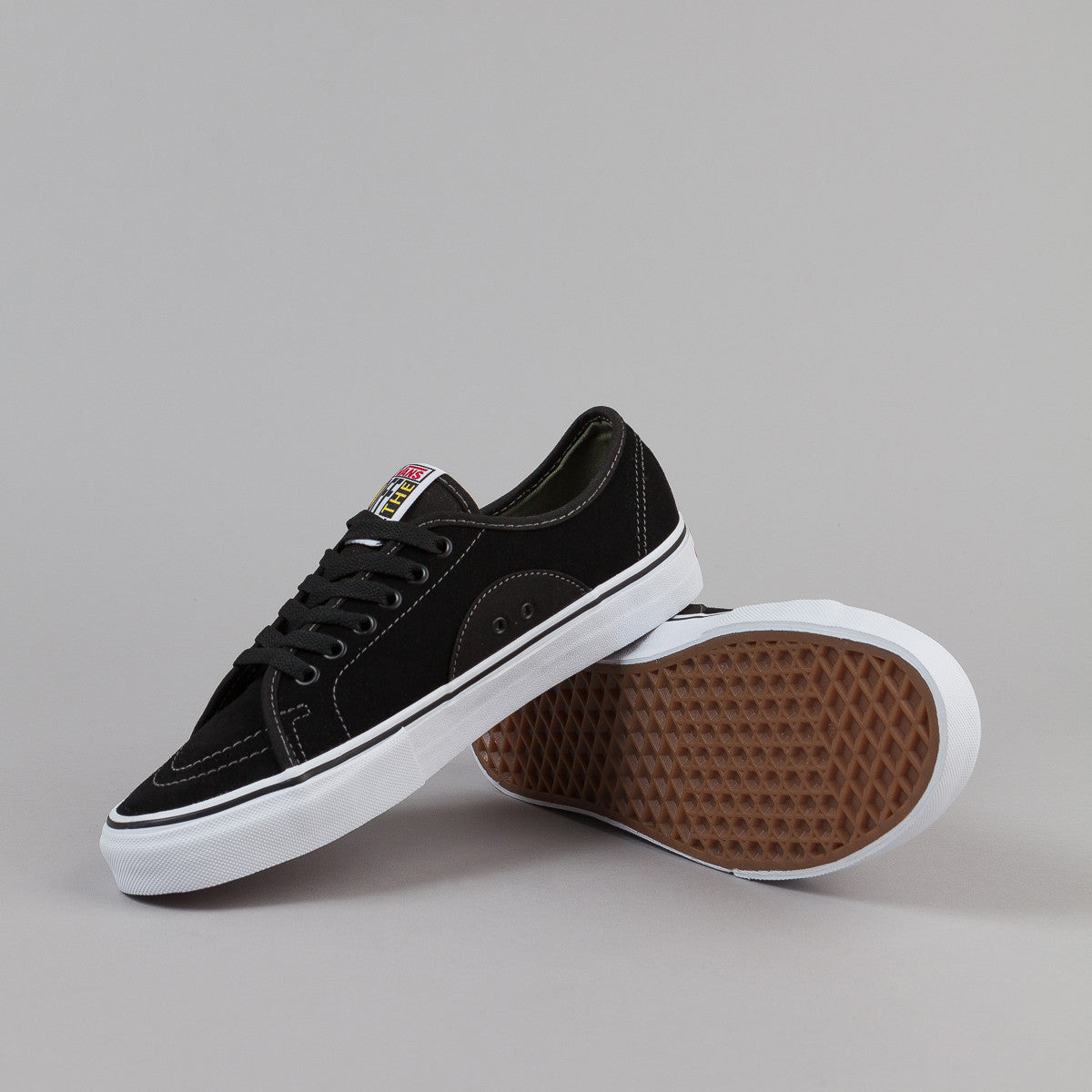 Vans AV Classic Shoes - Black / Olivine