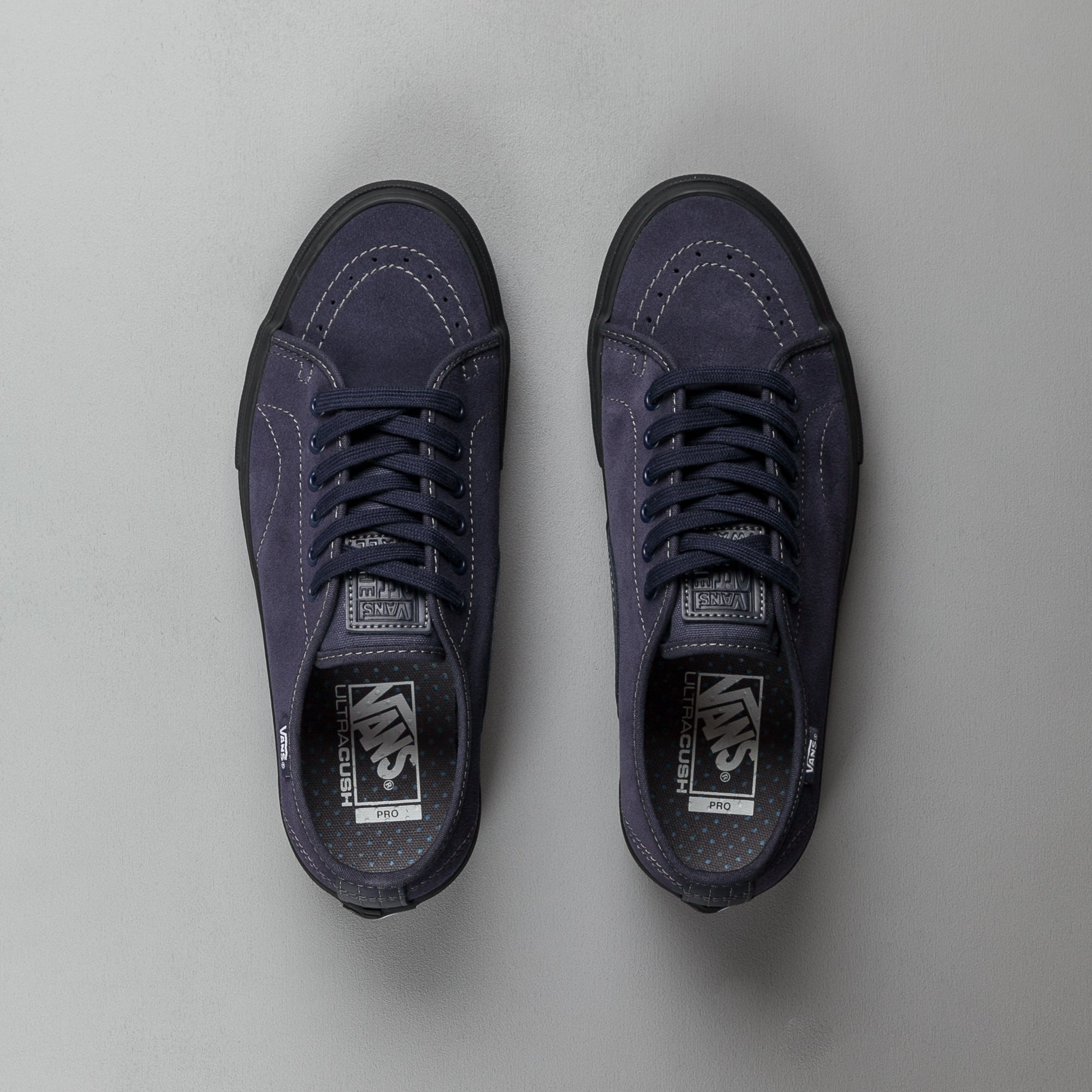 Vans AV Classic Shoes - Midnight Navy / Black