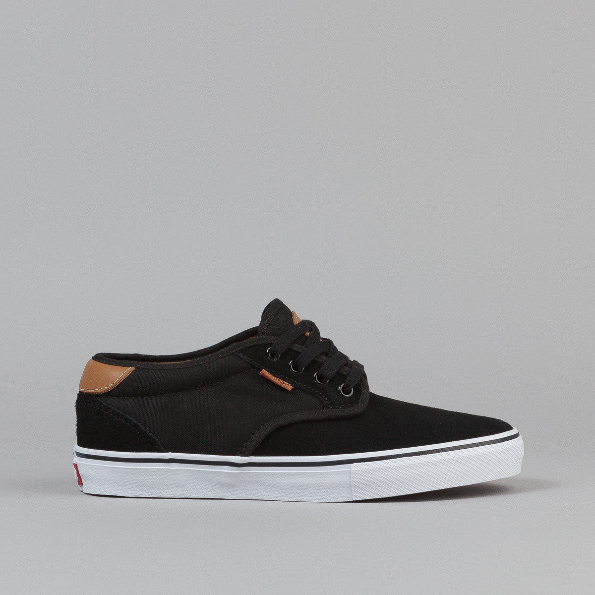 Vans Chima Ferguson Pro Shoes - Black / White