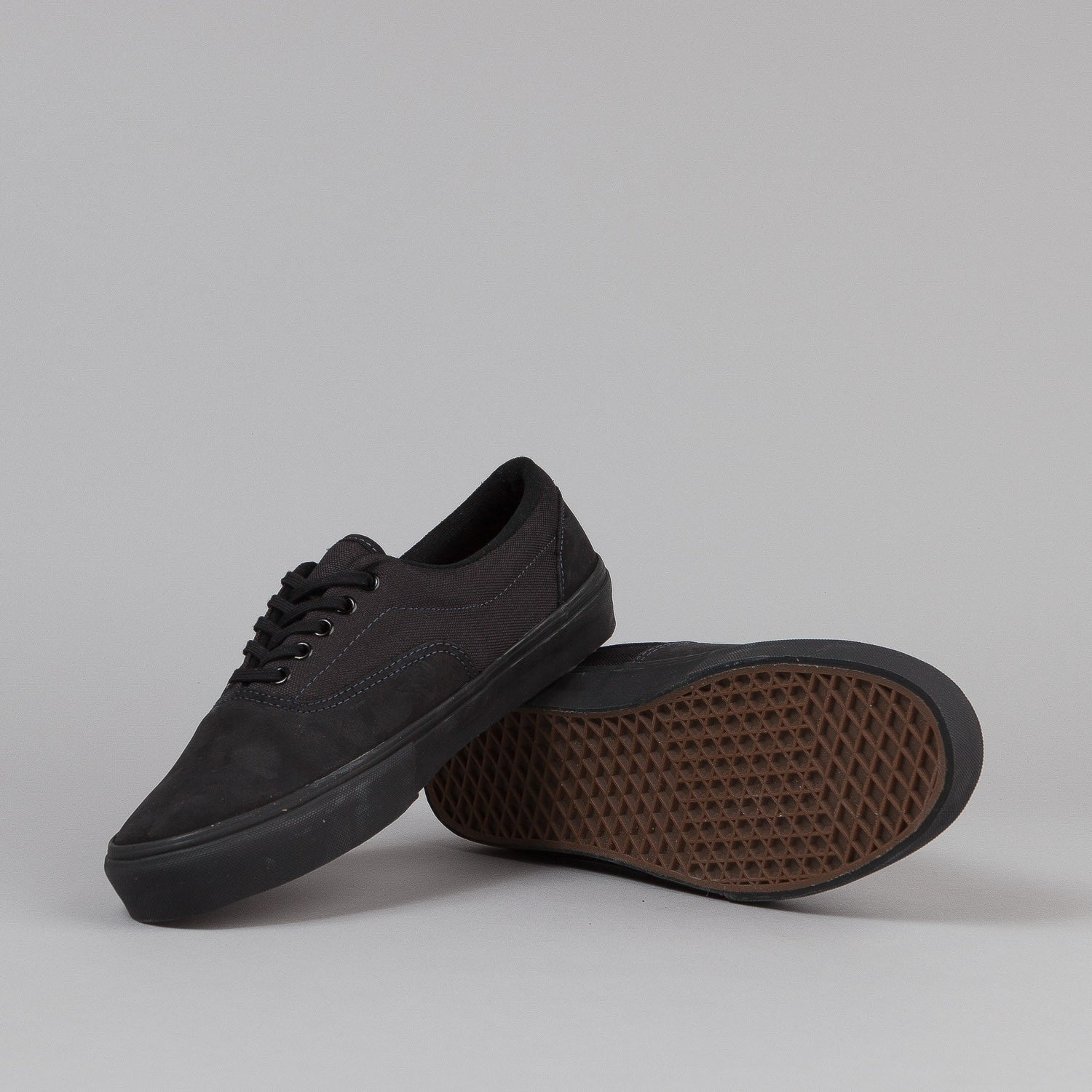 Vans Era Pro Shoes - Black Supertuff Suede