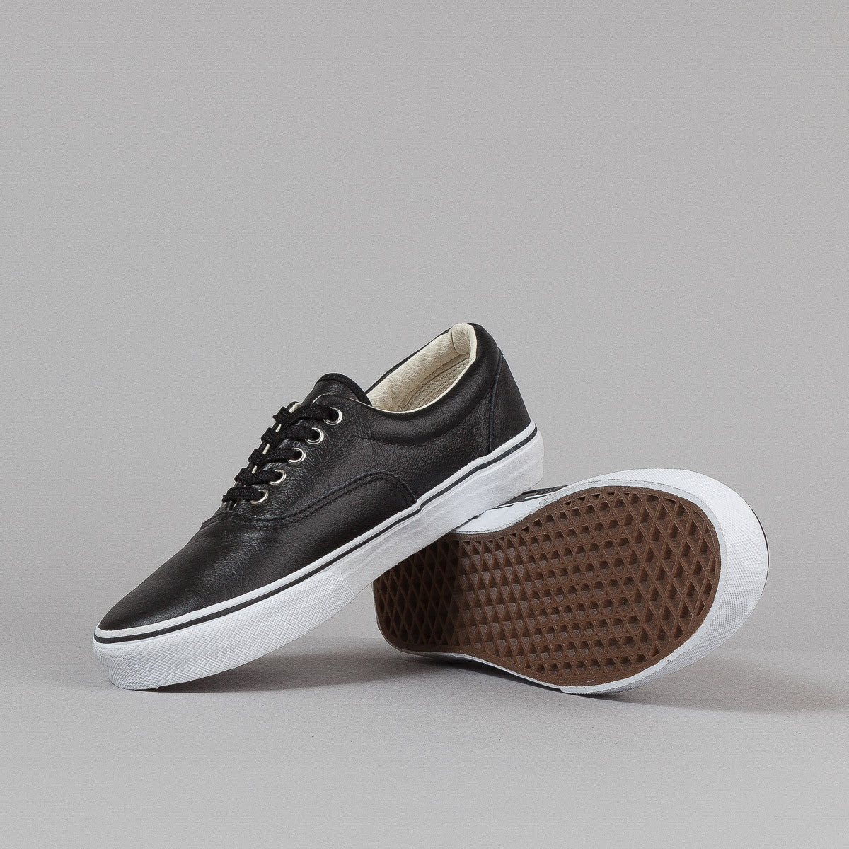 Vans Era Shoes - (Leather) Black / Turtledove