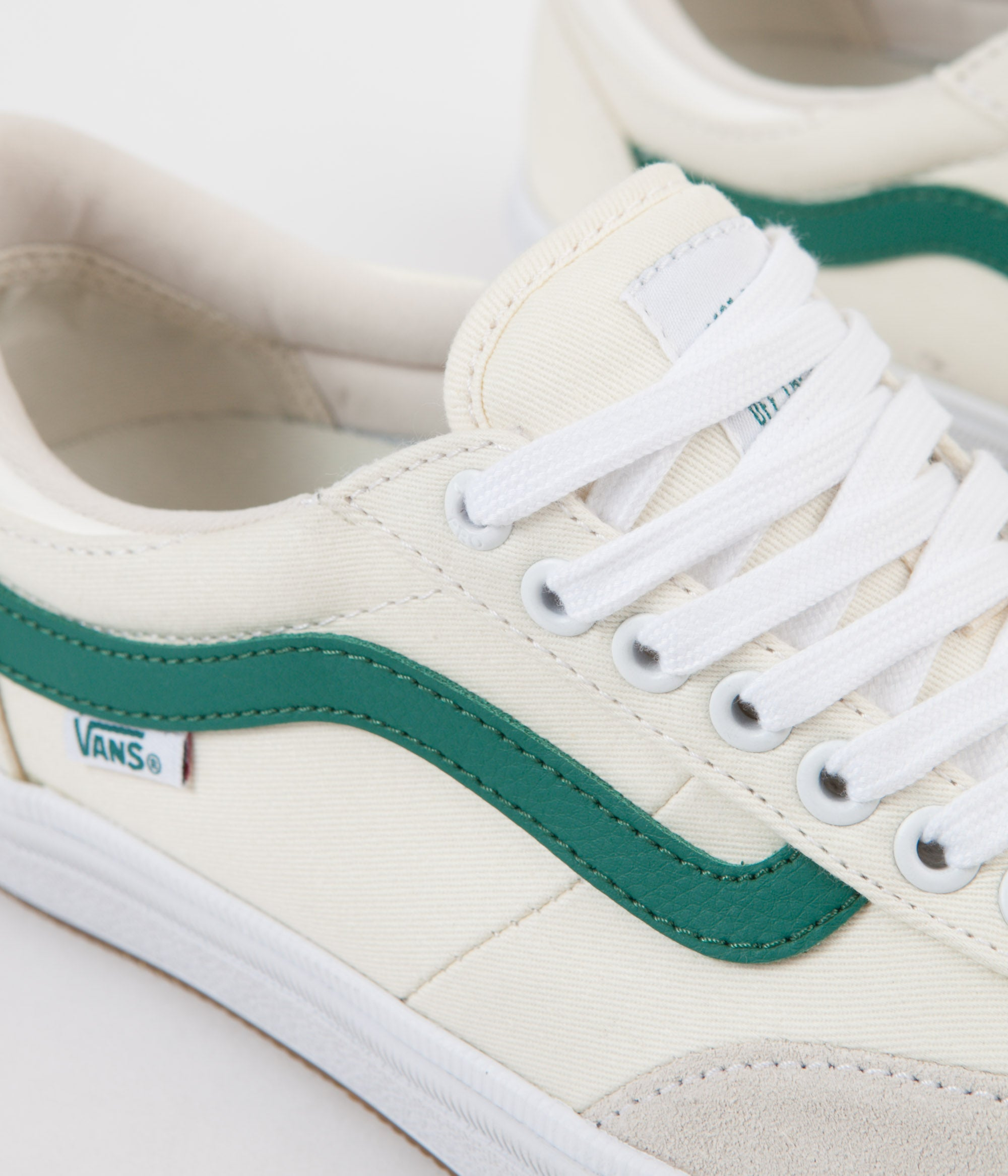 Vans Gilbert Crockett 2 Pro Centre Court Shoes - Classic White / Evergreen