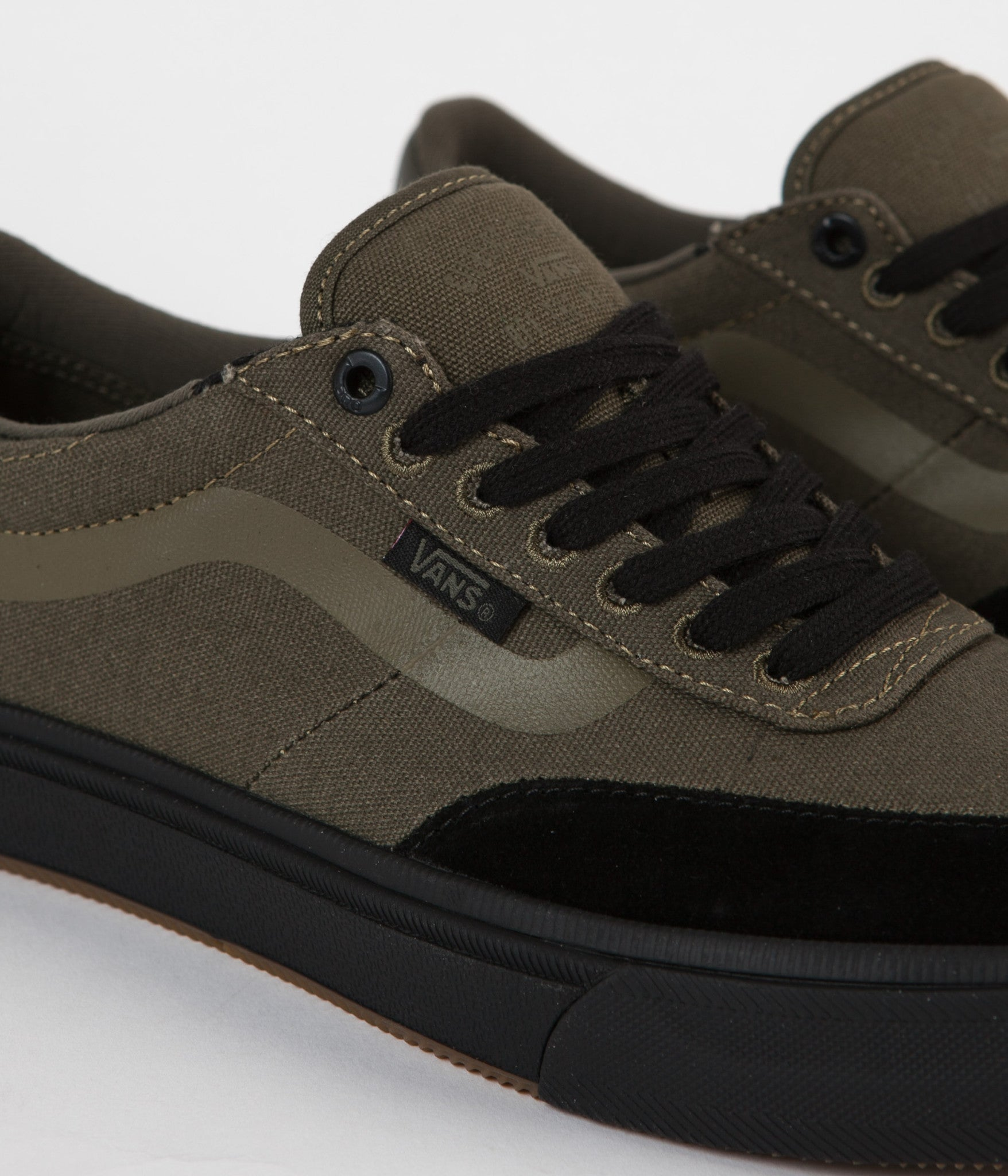 5b4de3332b ... Vans Gilbert Crockett 2 Pro Shoes - Ivy Green   Black ...