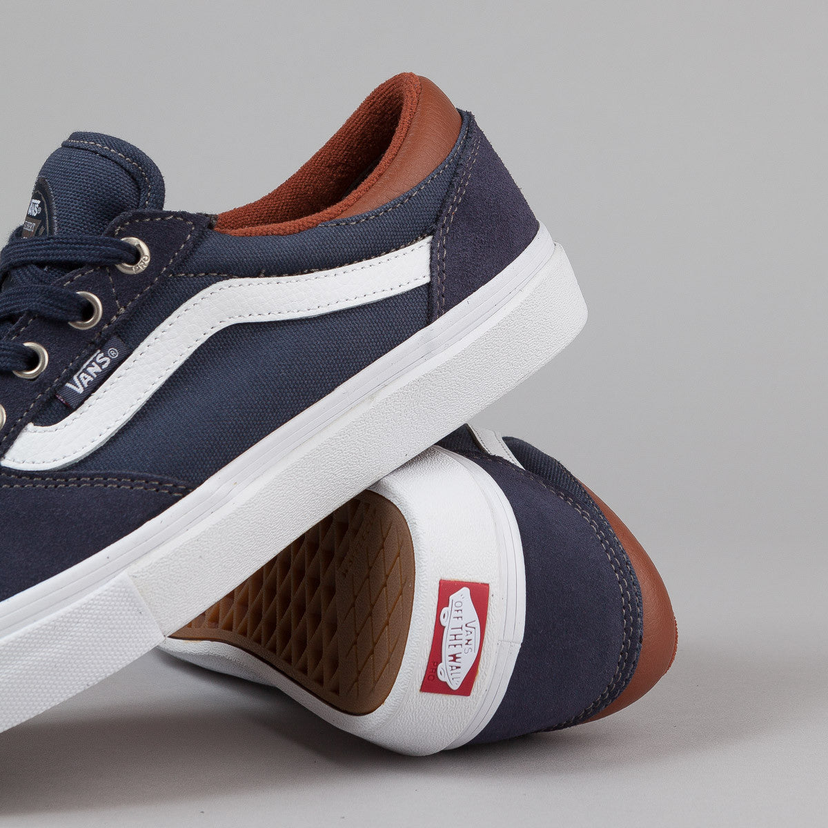 Vans Gilbert Crockett Pro Shoes - Navy / White