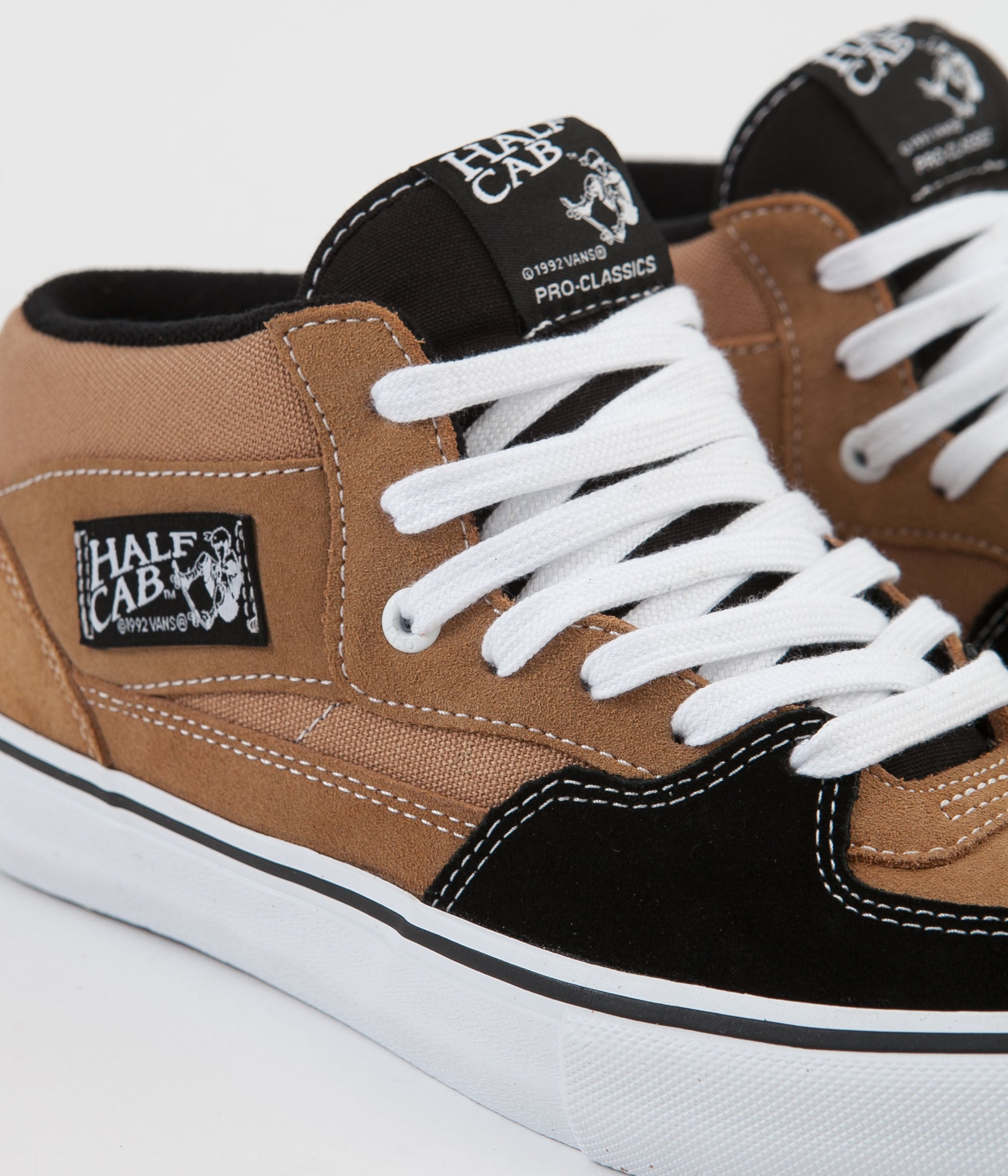 Vans Half Cab Pro Shoes - Camel / Black