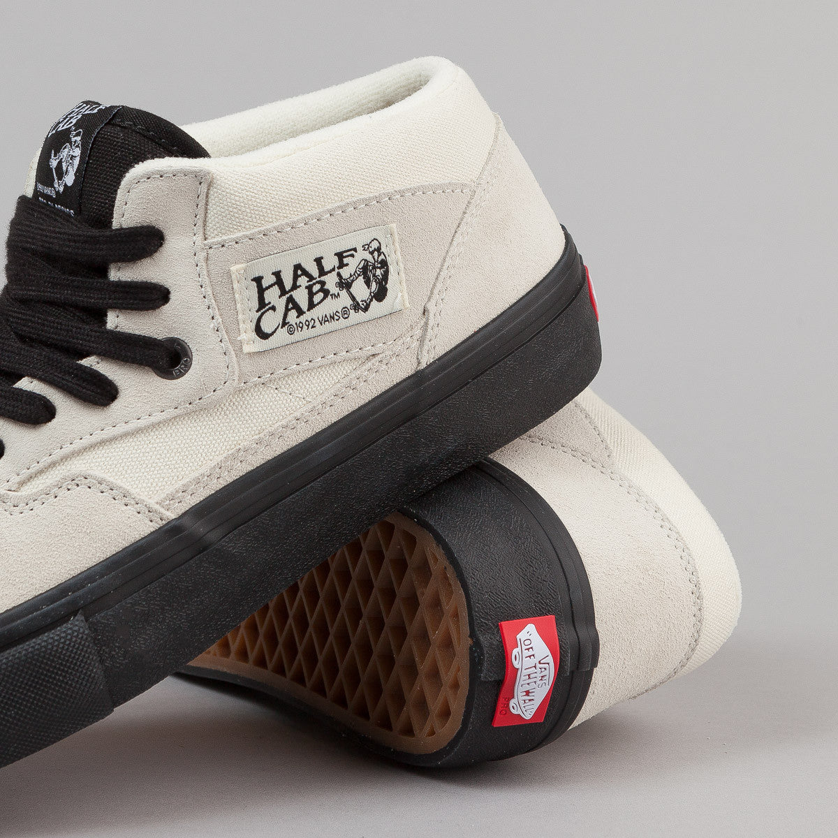 Vans Half Cab Pro Shoes - White / Black
