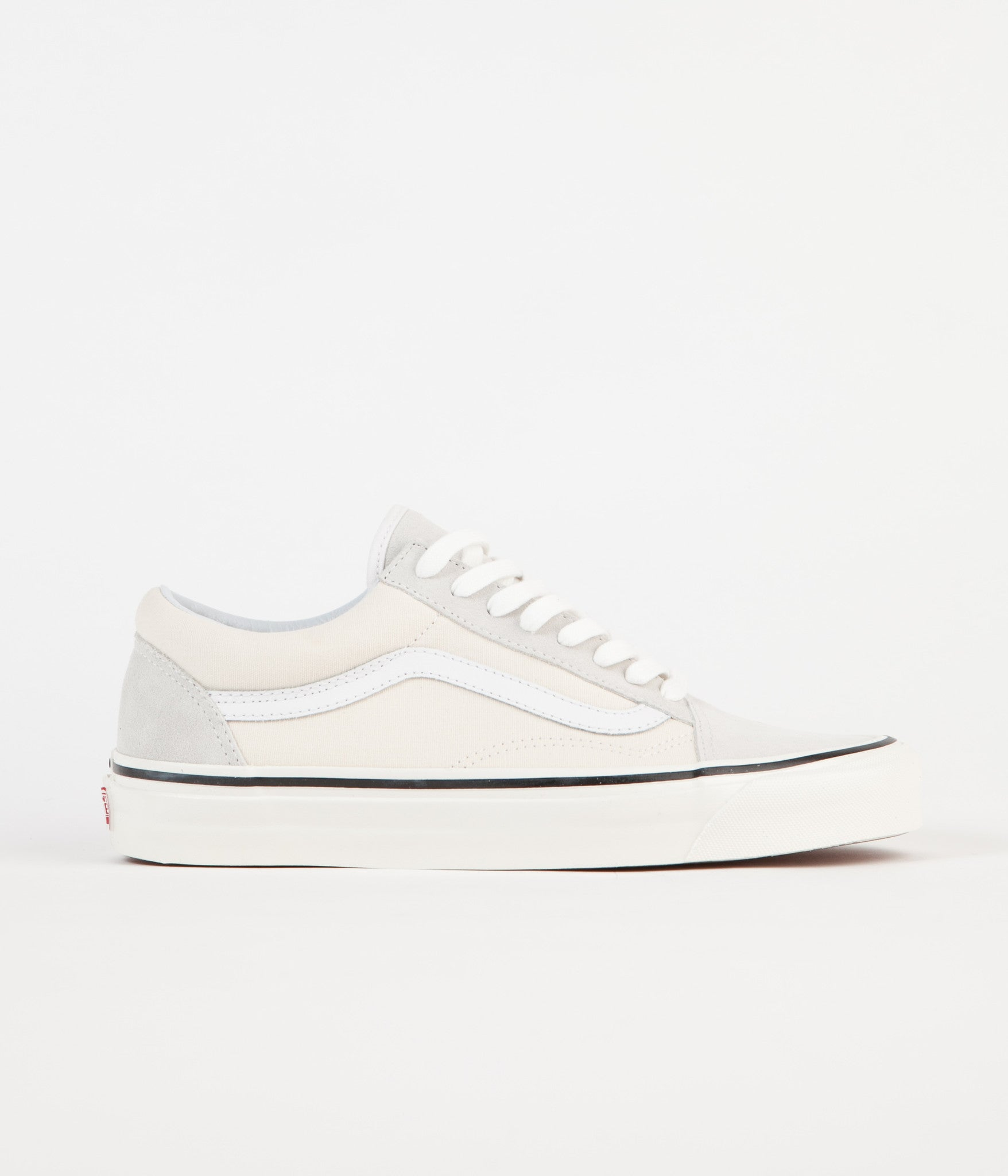 a2dd0f9972 Vans Old Skool 36 DX Anaheim Factory Shoes - Classic White
