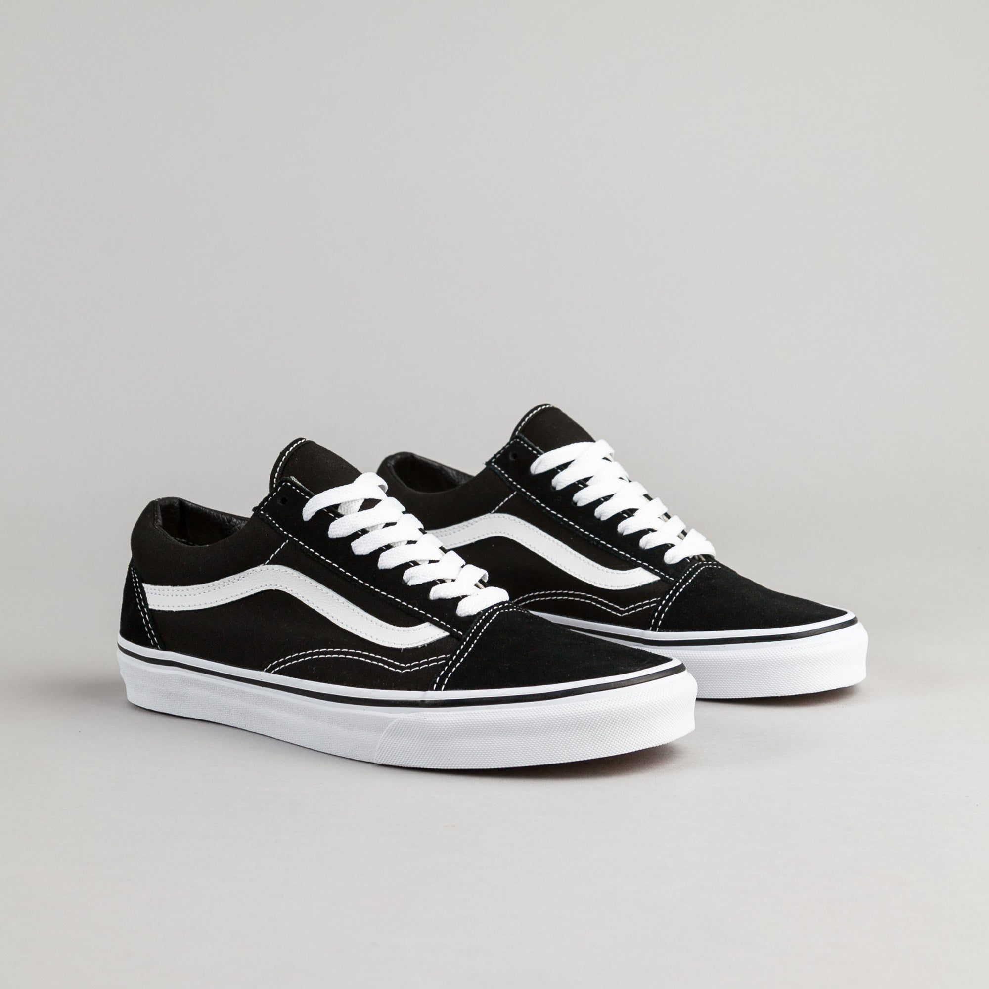 vans old skool shoes black white flatspot. Black Bedroom Furniture Sets. Home Design Ideas