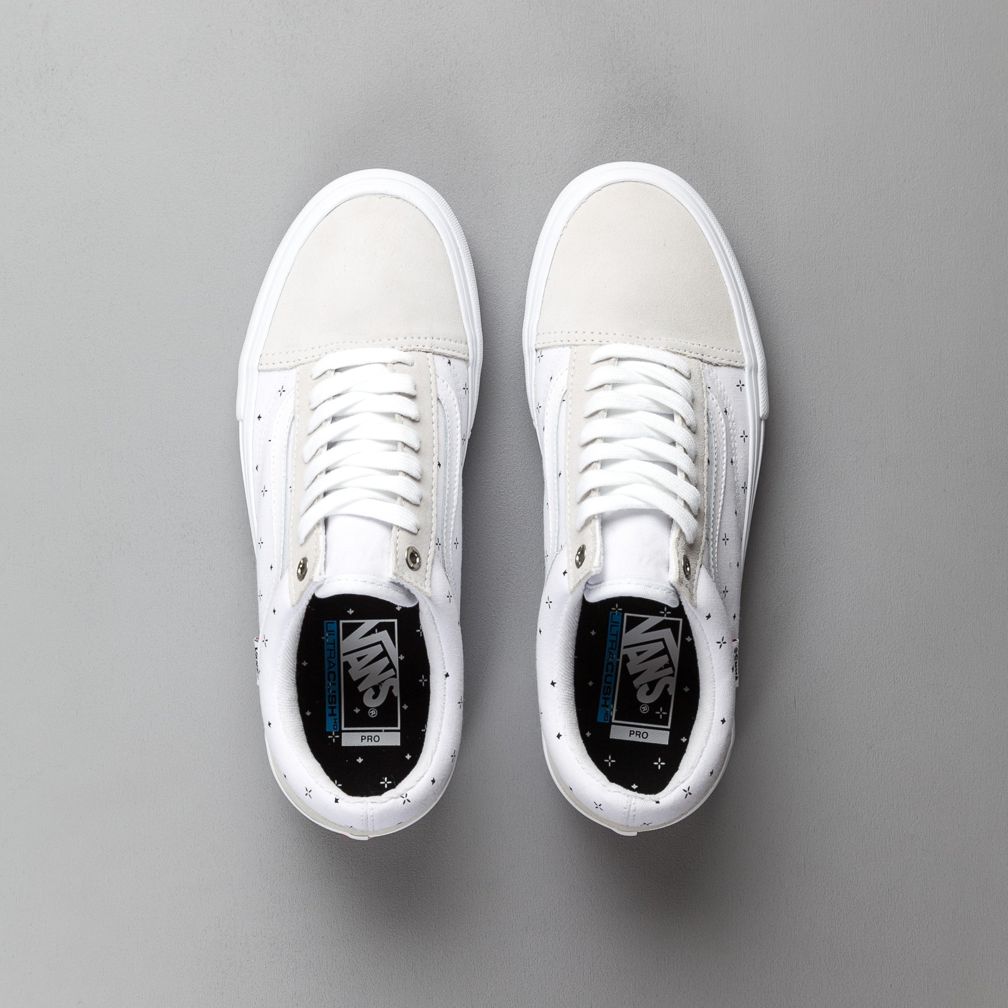 Vans Old Skool Pro Shoes - (Bandana) White