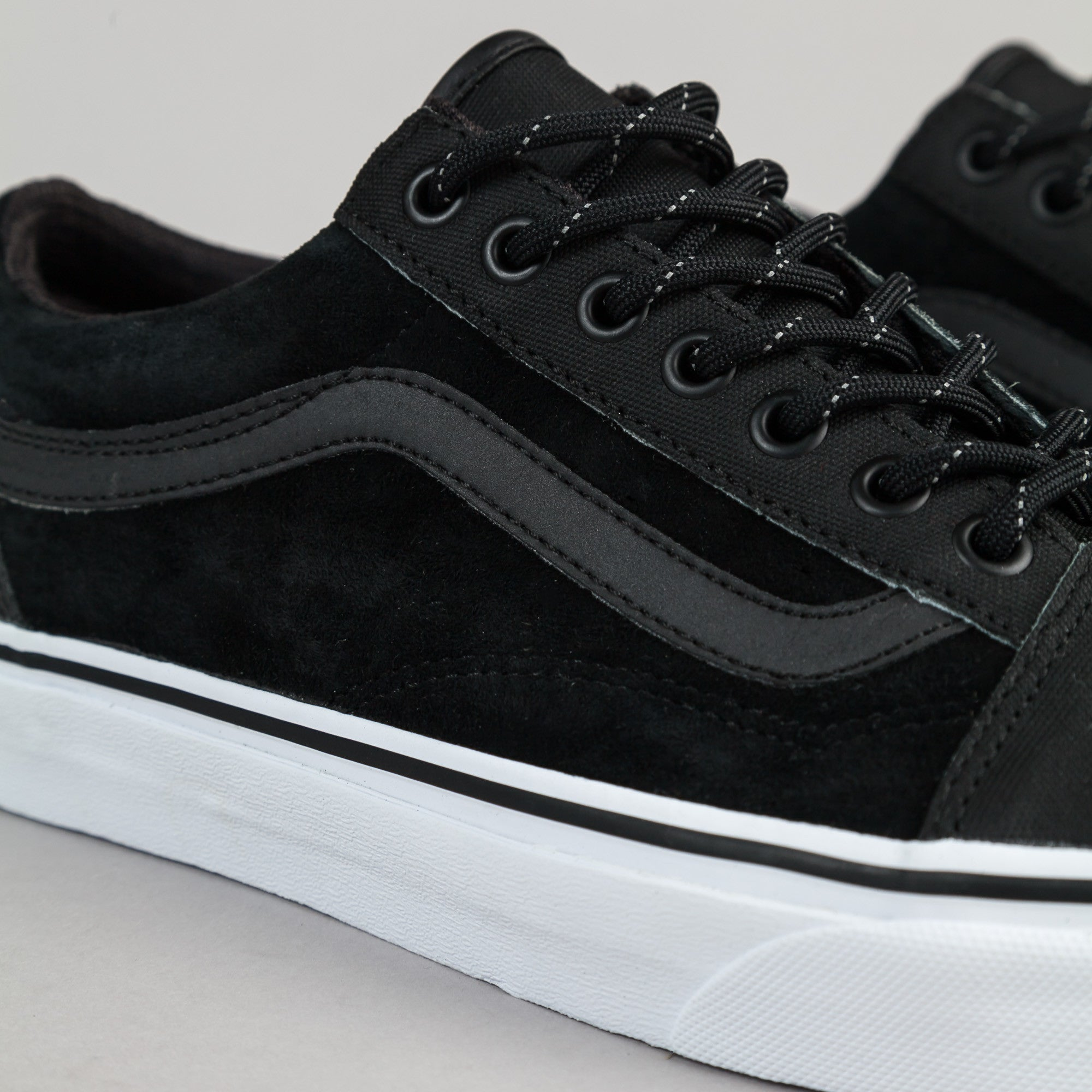 vegan vans black