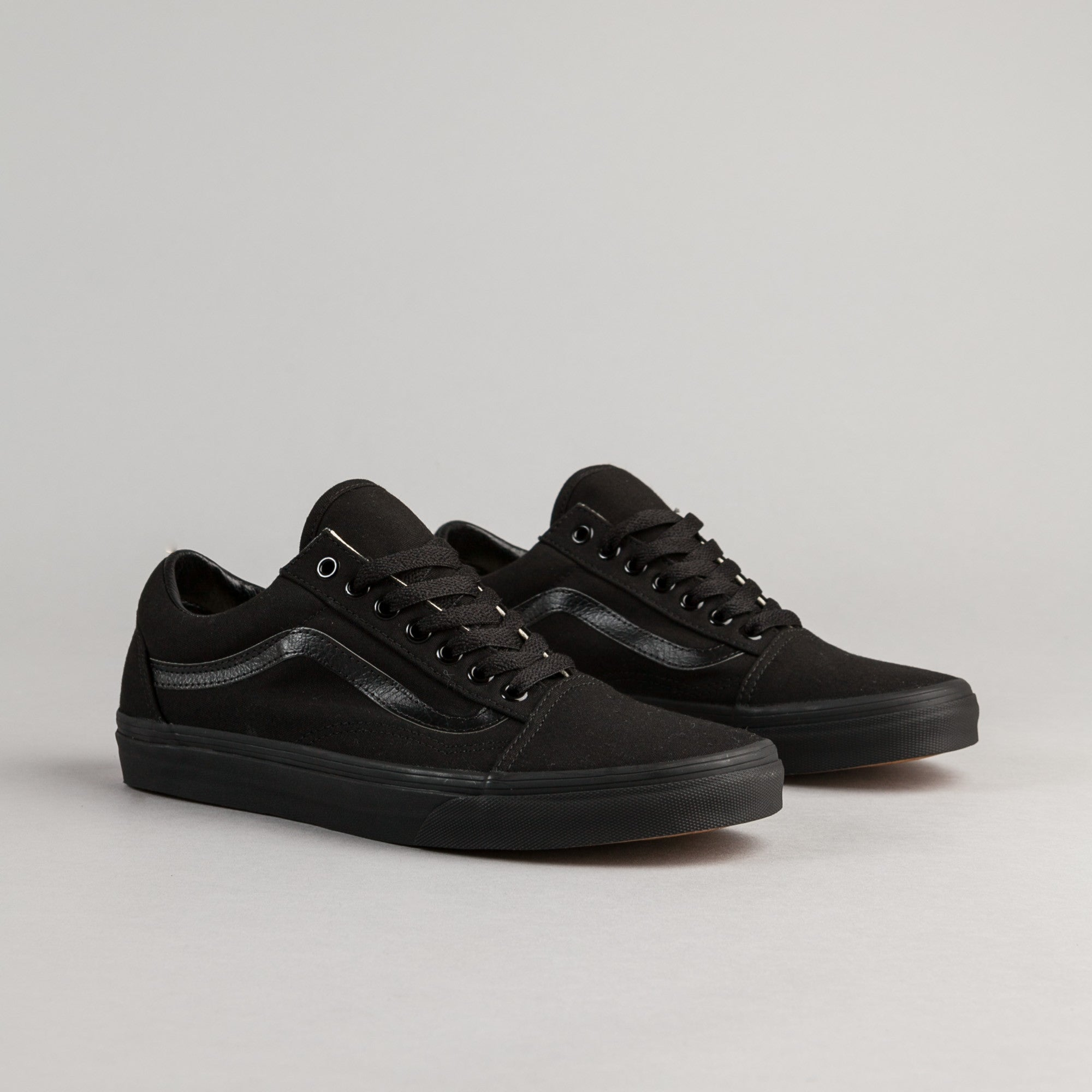 vans old skool shoes black black canvas flatspot. Black Bedroom Furniture Sets. Home Design Ideas
