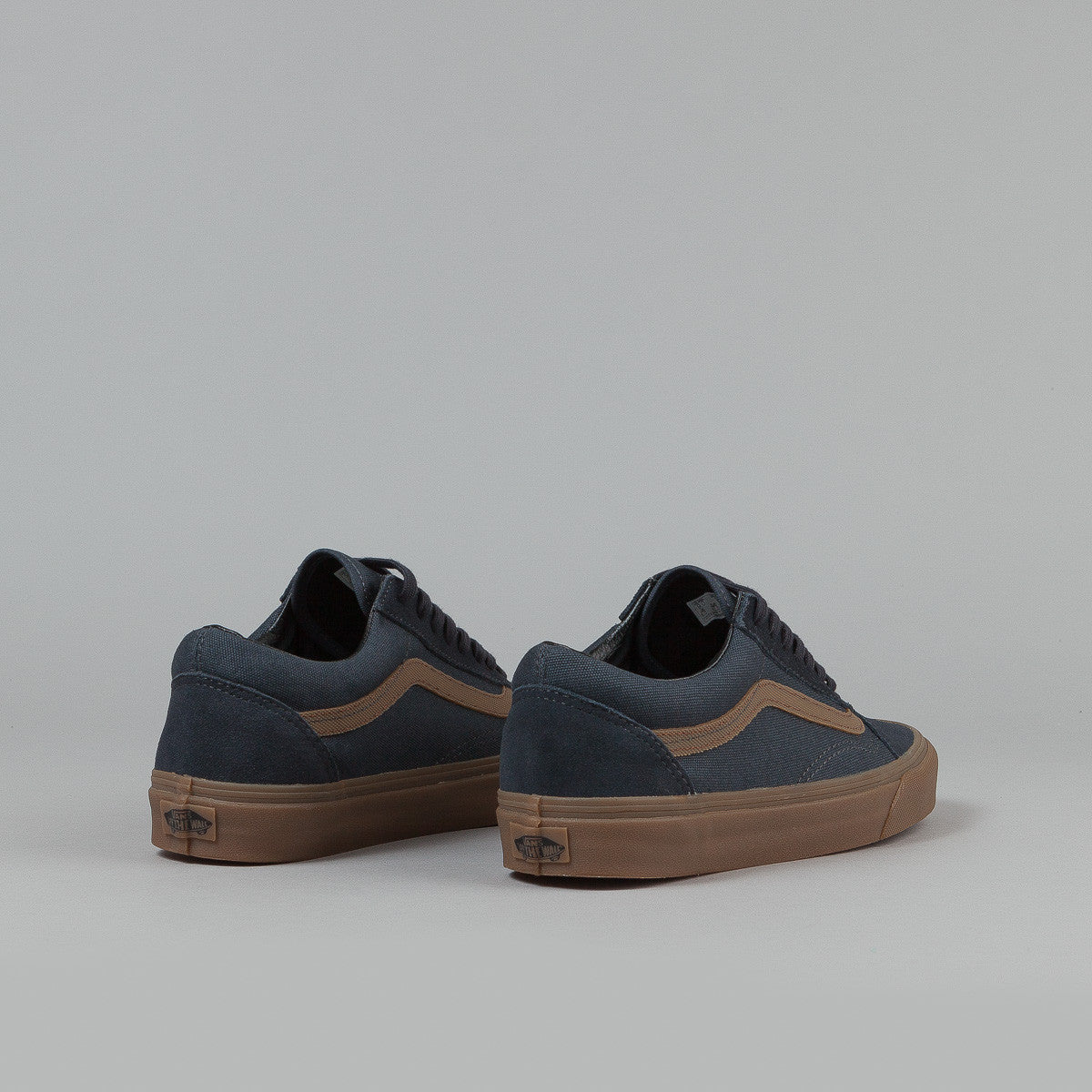 Vans Old Skool Shoes (Gum Sidestripe) - Ebony