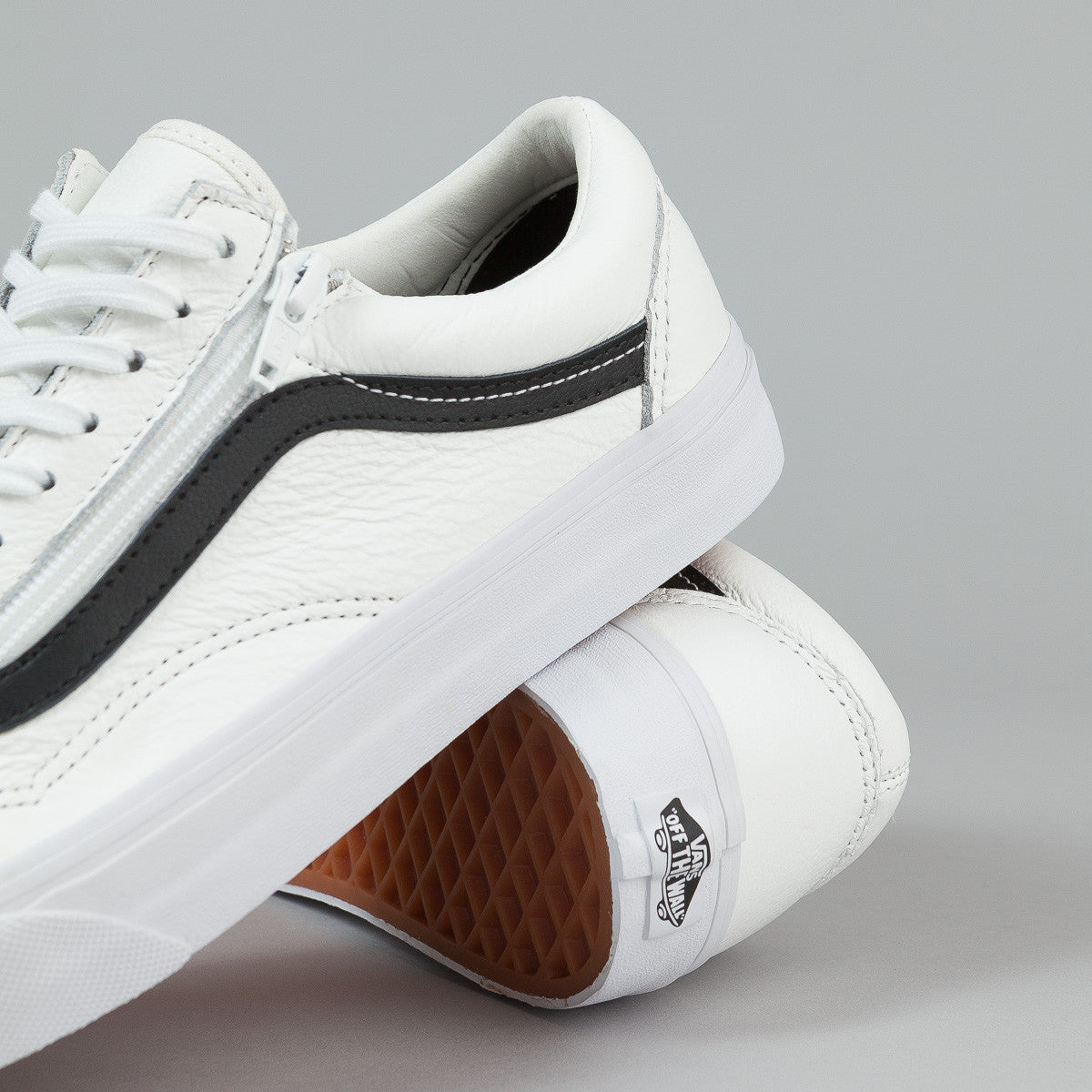 Vans Old Skool Zip Shoes - (Premium Leather) True White