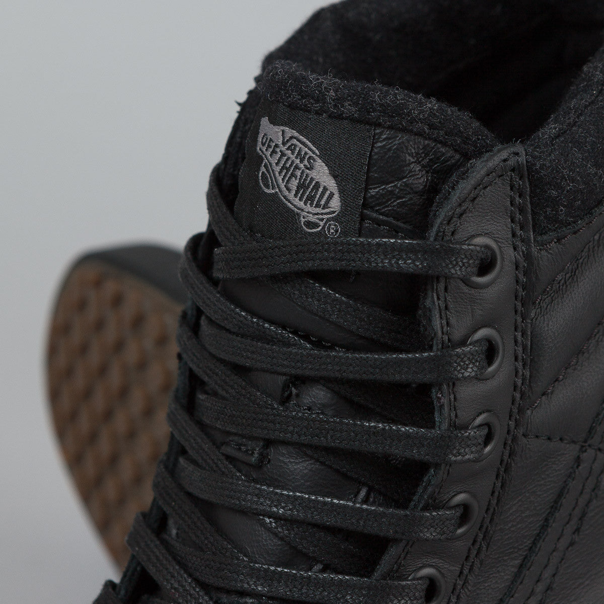 Vans Sk8-Hi MTE Shoes - Black / Leather