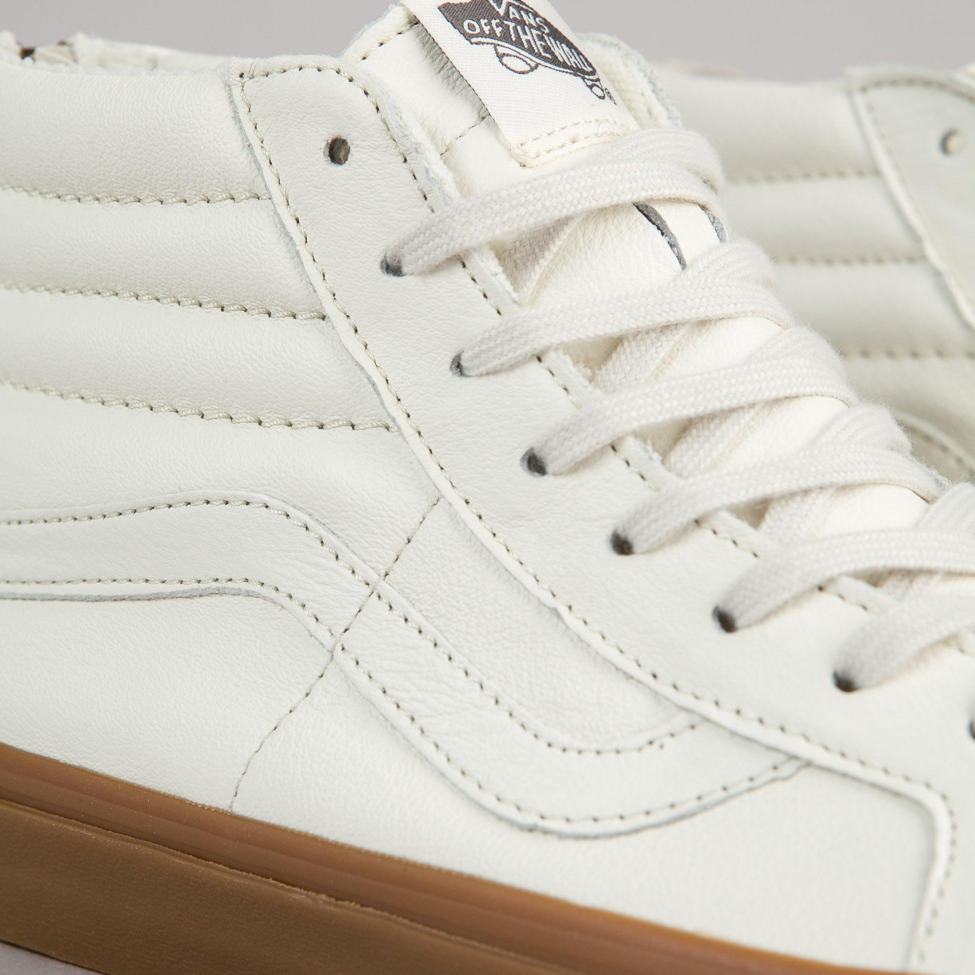 Vans Sk8-Hi Reissue Zip Shoes - White / Gum