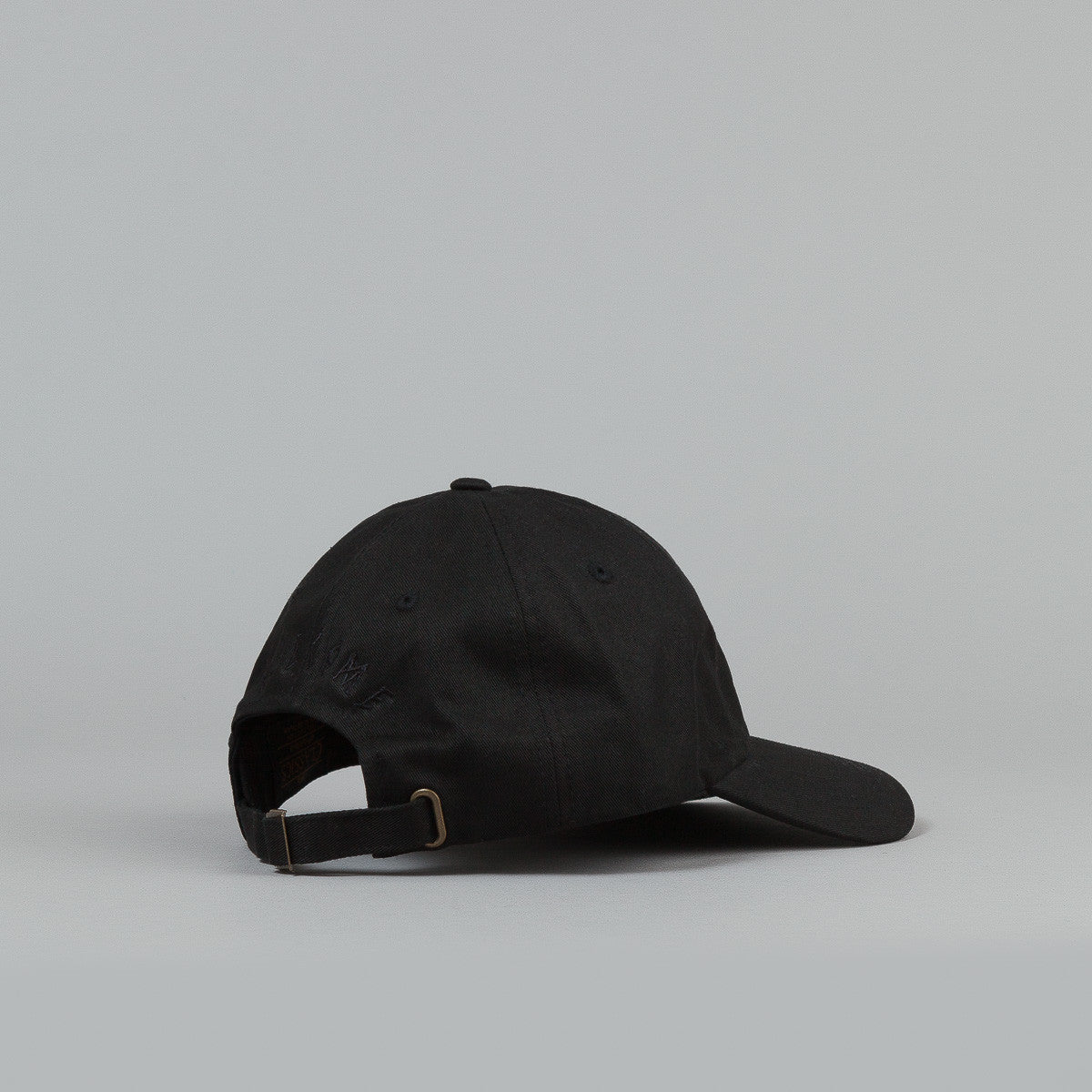 Welcome Rocking Dog Slider Cap - Black / Black