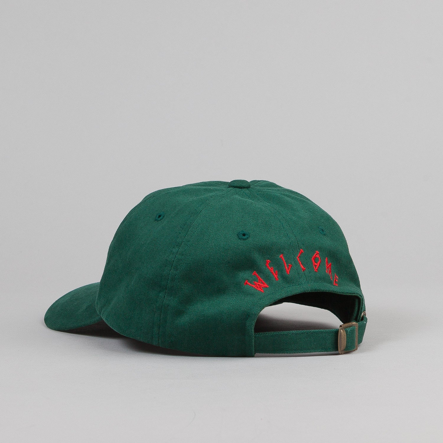Welcome Rocking Dog Slider Cap - Green / Red