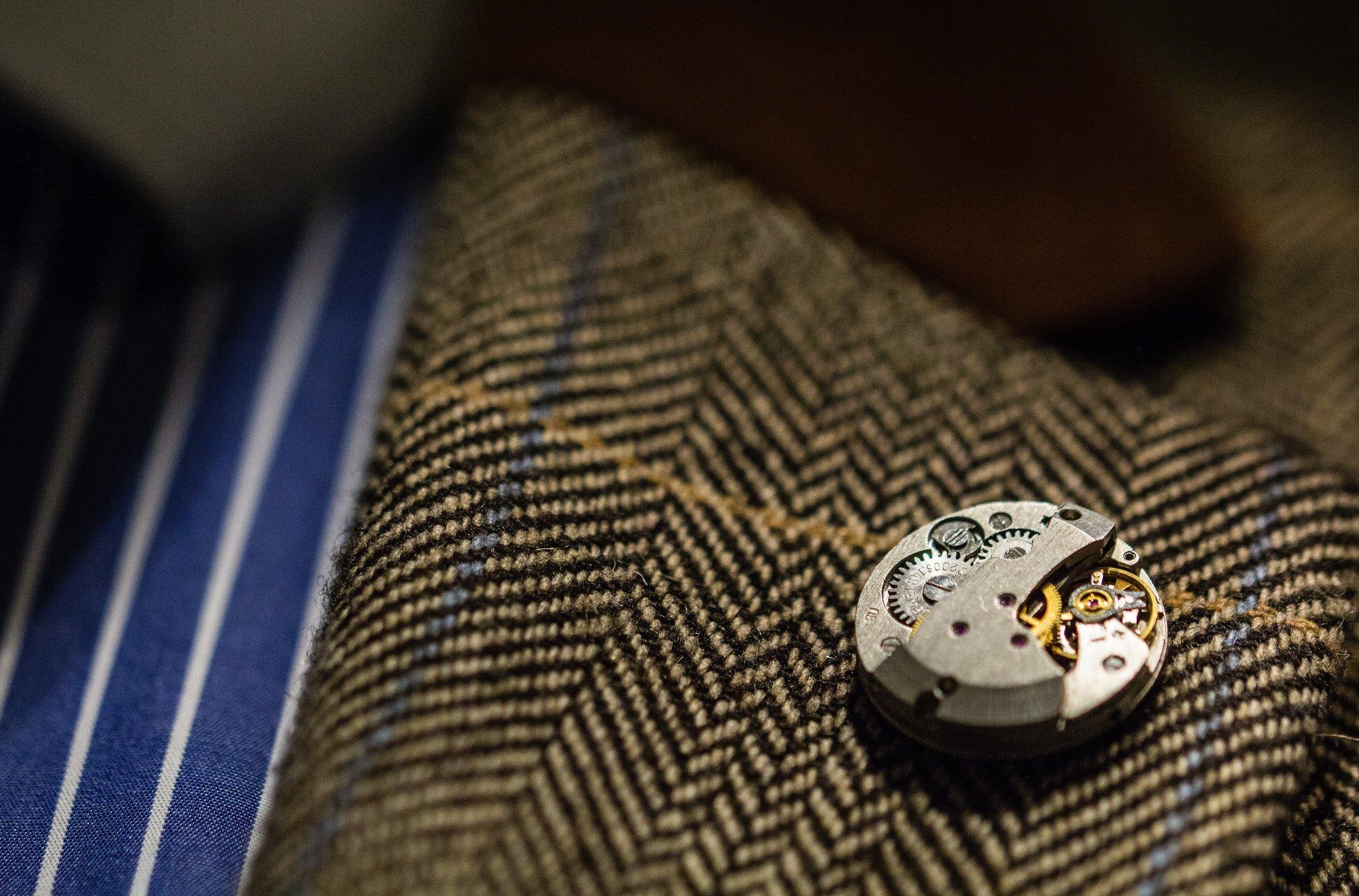 Round Levelled Watch Movement Lapel Pin