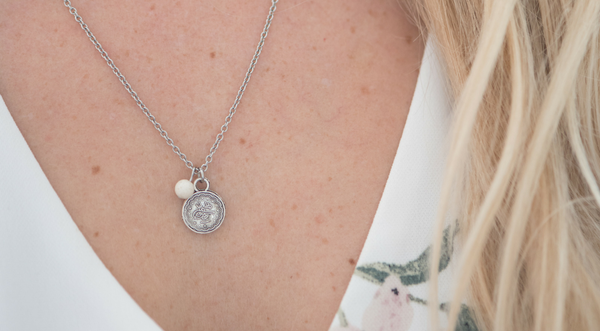 Blond Story X Twenty Compass : Un collier exclusif!