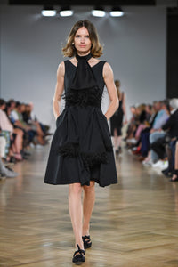 Jabot with feathers - Black - KN Collection