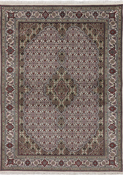 White 5 X 7 Wool & Silk Tabriz Rug - Golden Nile