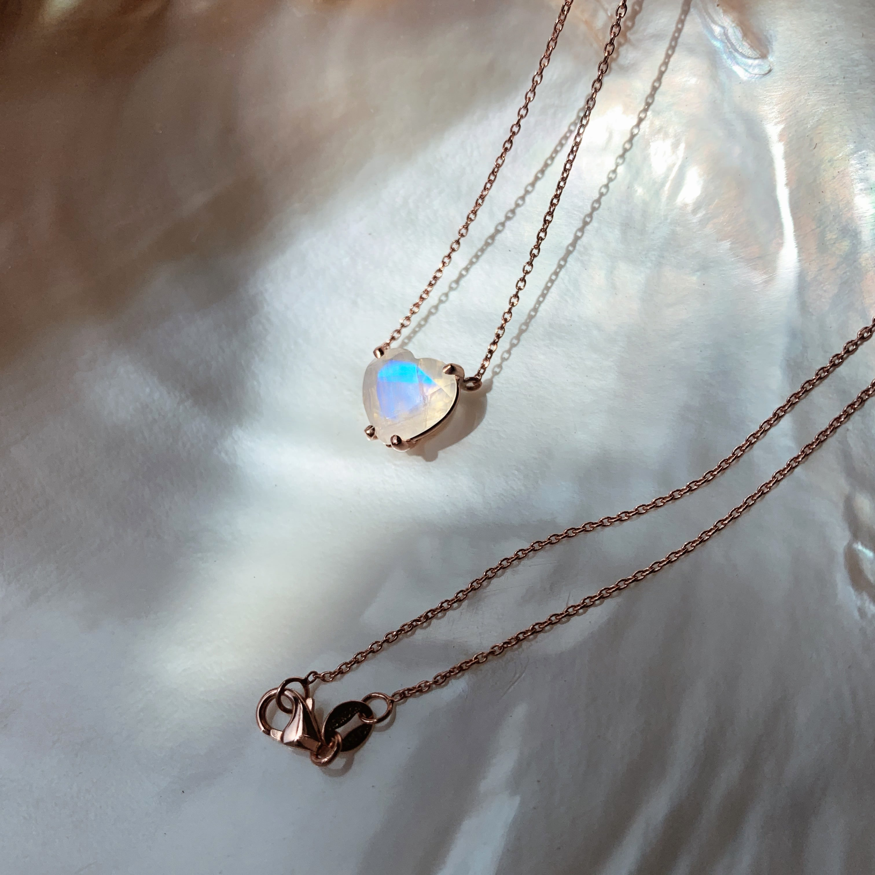 Dainty Solitaire Faceted Heart Moonstone Necklace