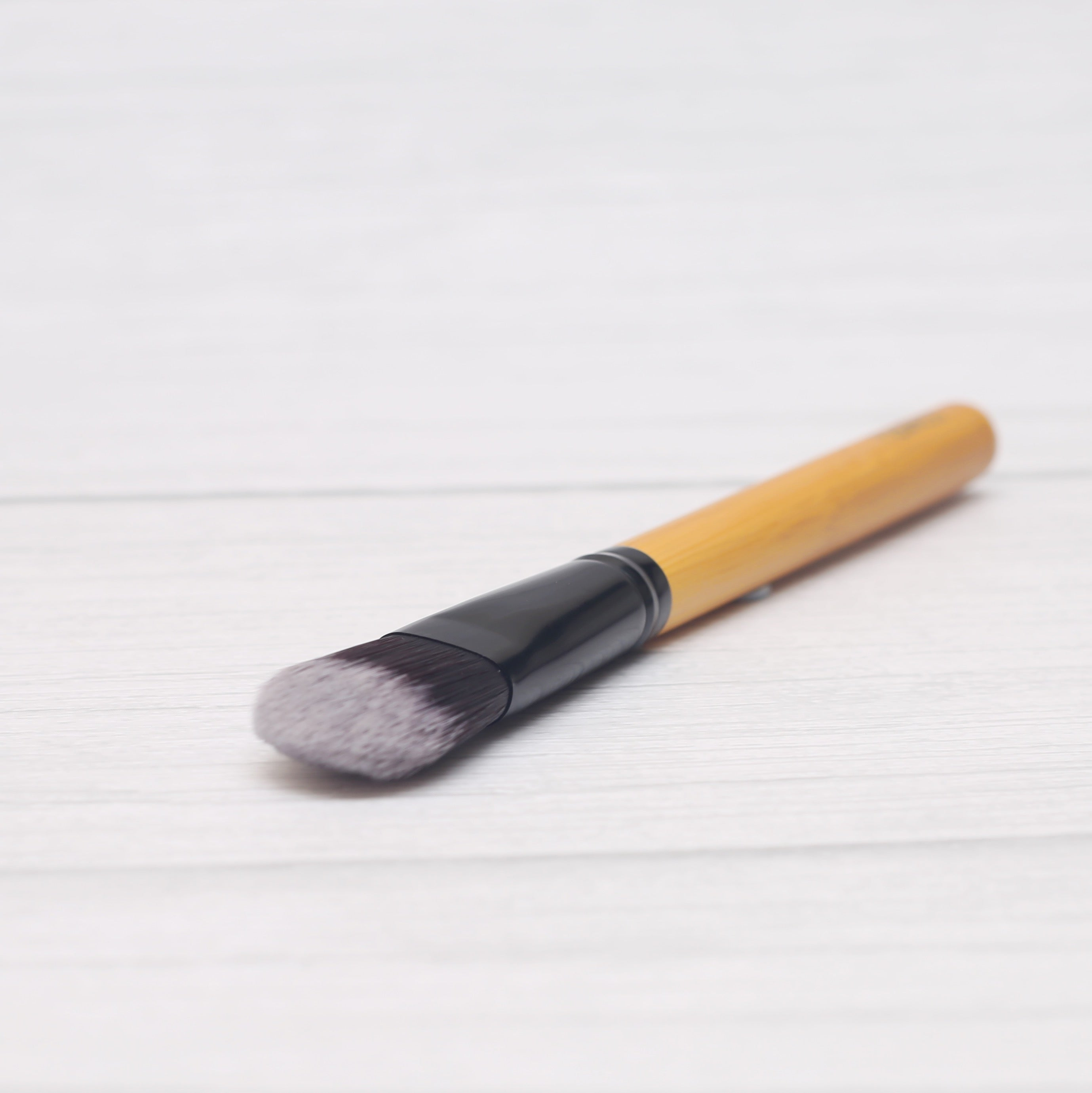 Classic Foundation Brush