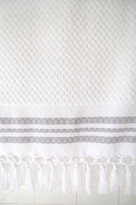 Wevist Luxe Organic Cotton in White, Small Square