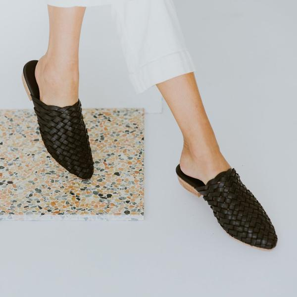Paris Woven Mile In Black