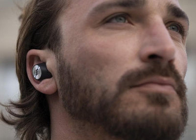 Momentum True Wireless, touch controls on earphones