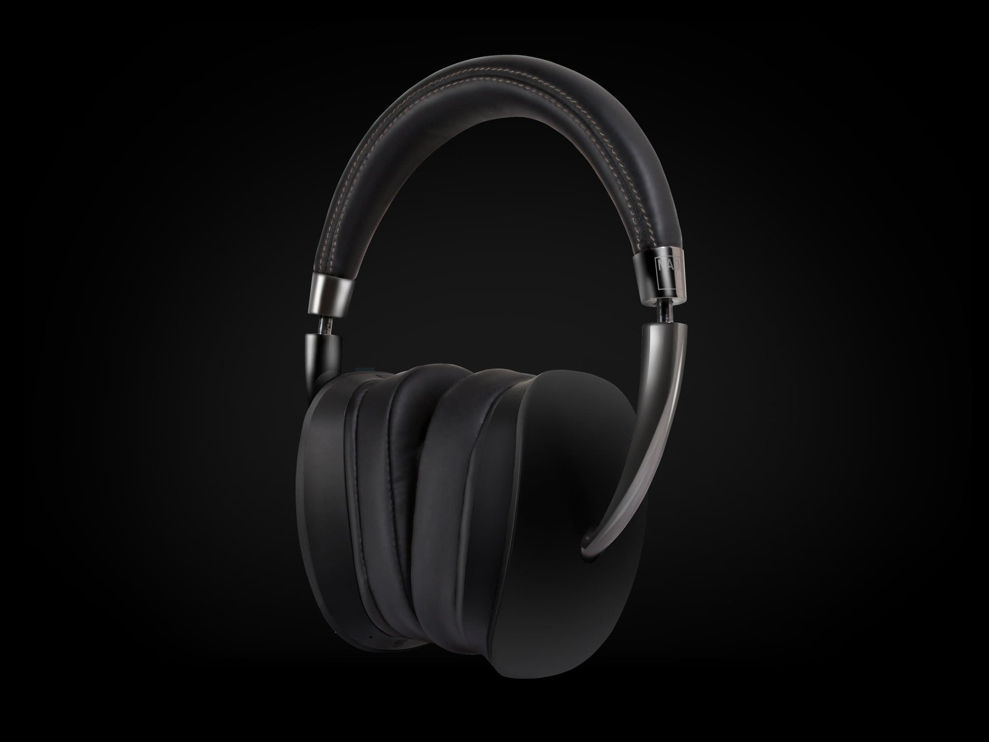 NAD HP70 roomfeel over ear headphones
