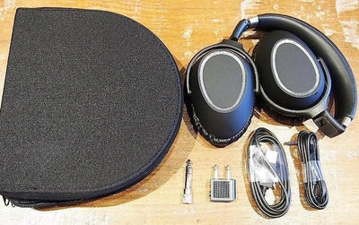 Sennheiser PXC550 carry case and accessories