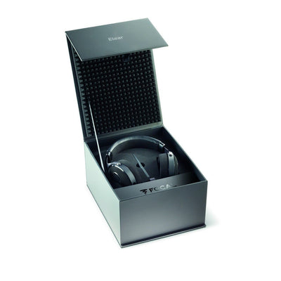 Focal Elear includes display case