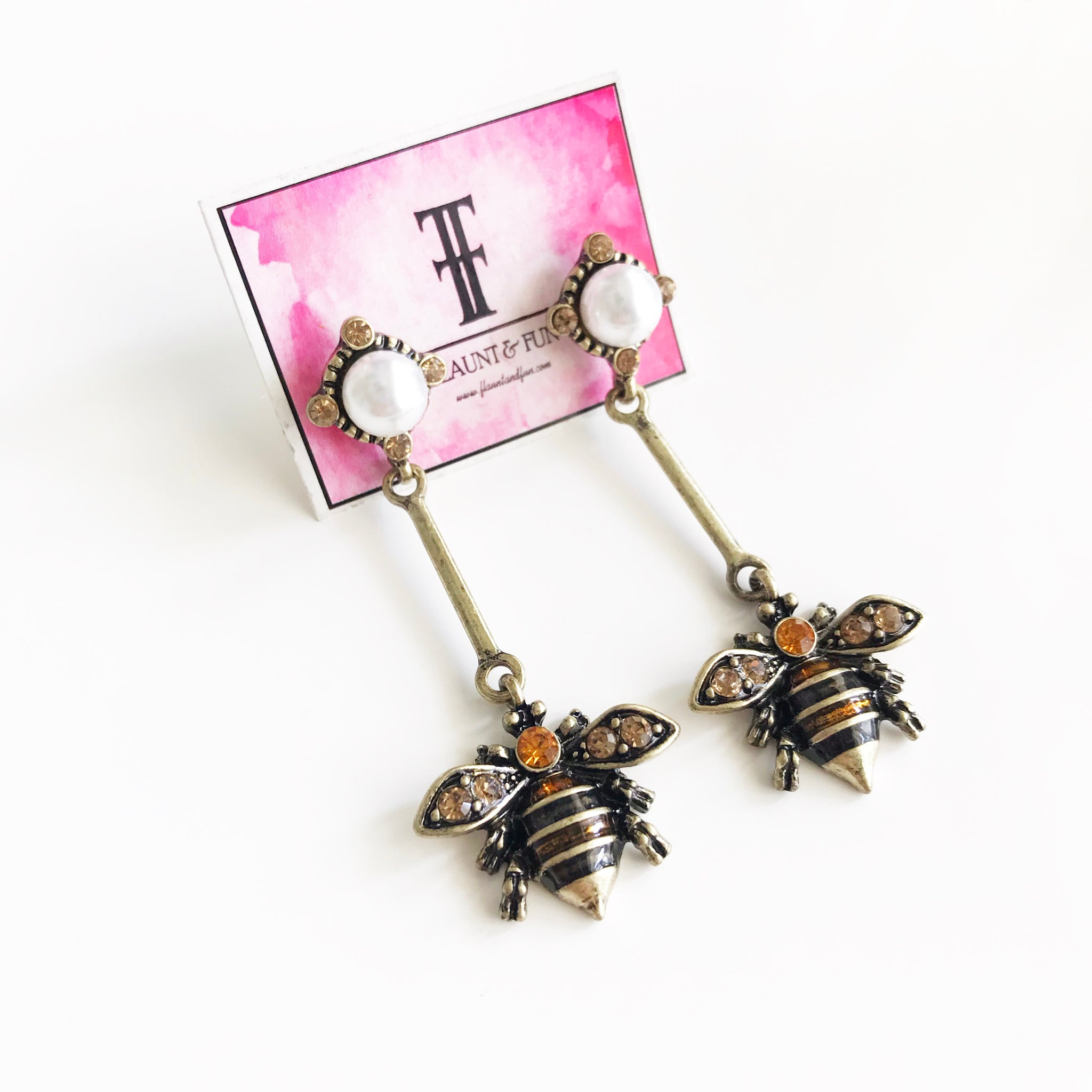 BEE PEARL DANGLES