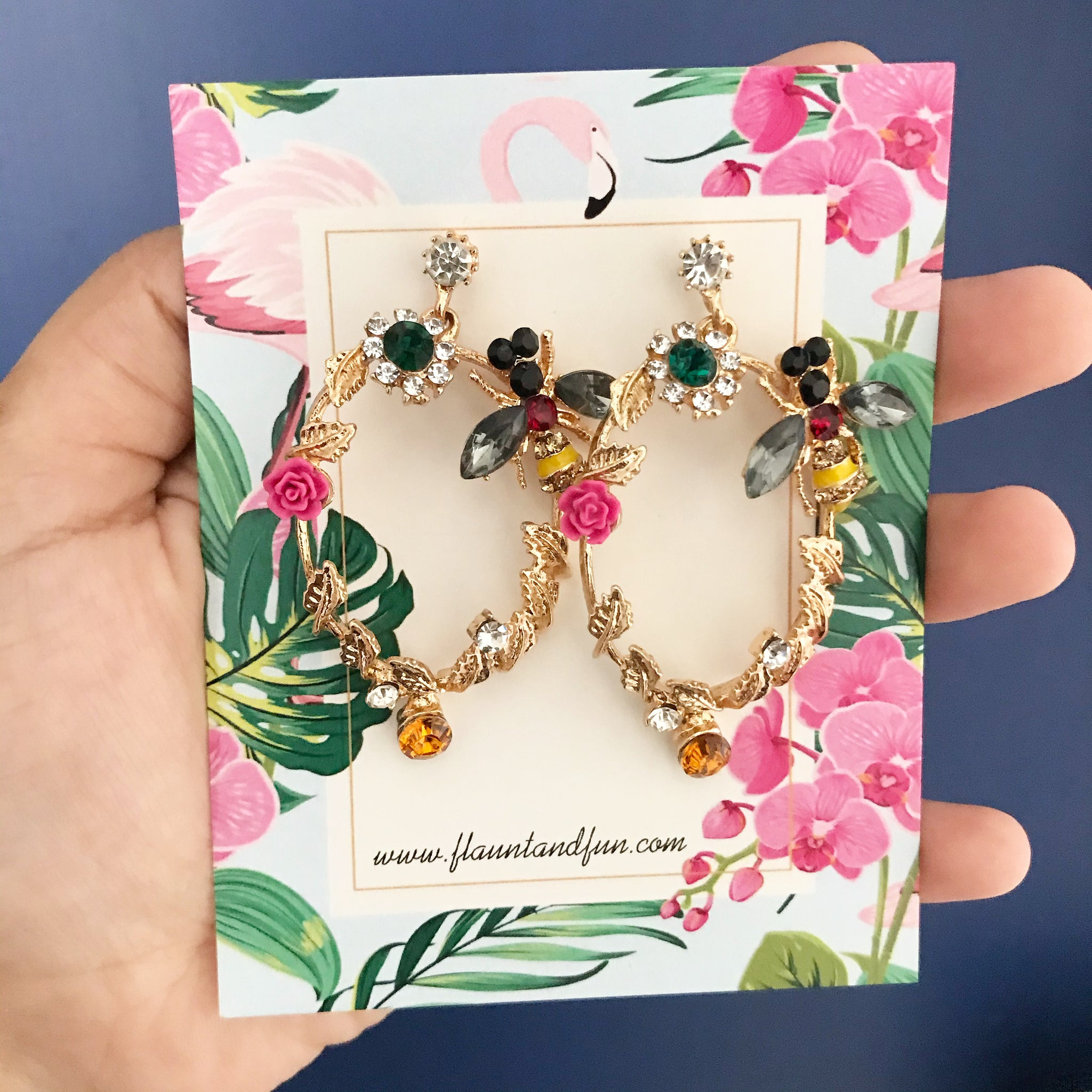 BEE VINTAGE EARRINGS 🐝