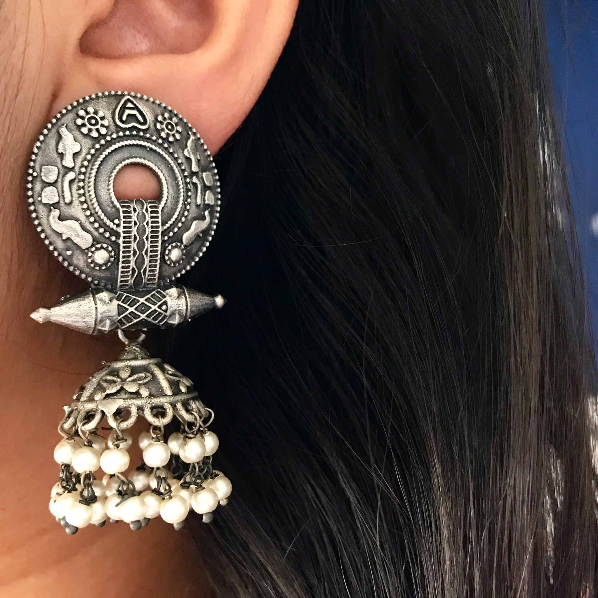 TRIBAL PEARL EARRINGS