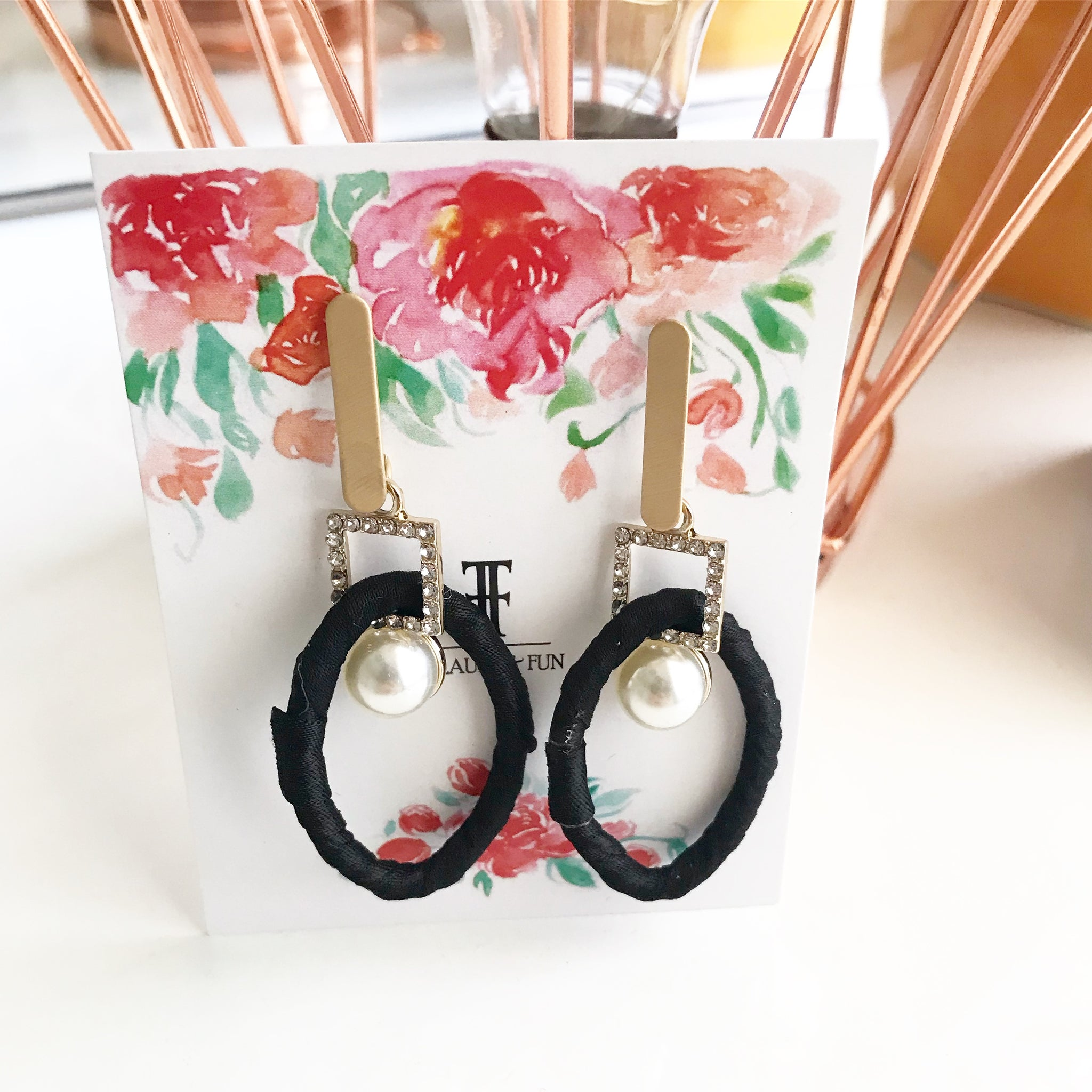 BLACK FABRIC KNOT EARRINGS