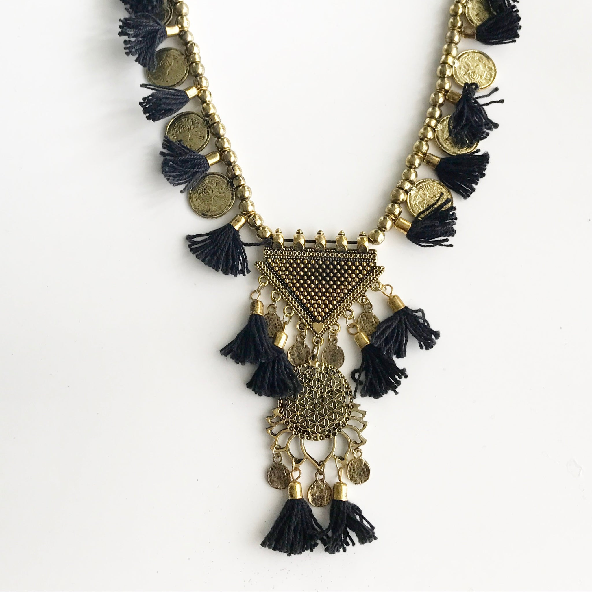 FRINGE COINS NECKLACE - Flauntandfun