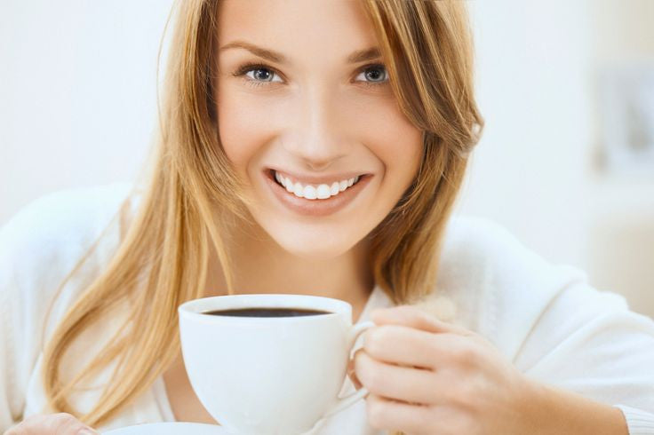 Coffee Lovers! Here's how you can keep your teeth white while sipping coffee