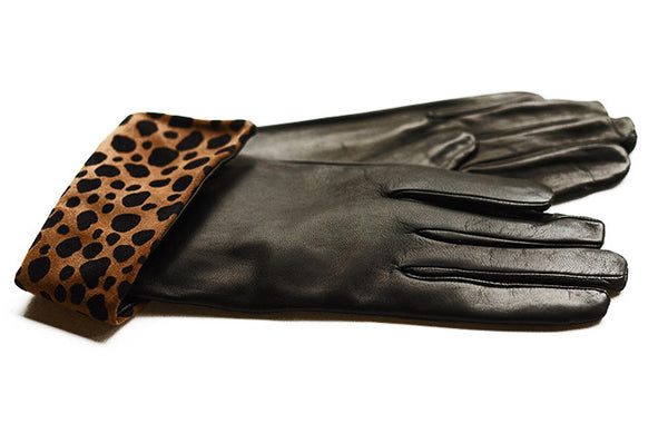 Black leather gloves with foldable animal print cuff