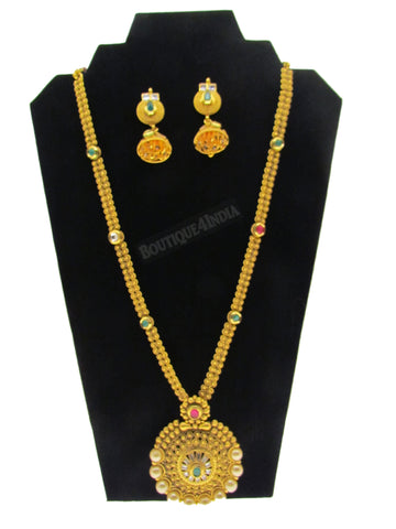 Elegant Indian designer necklace with matching Earrings set