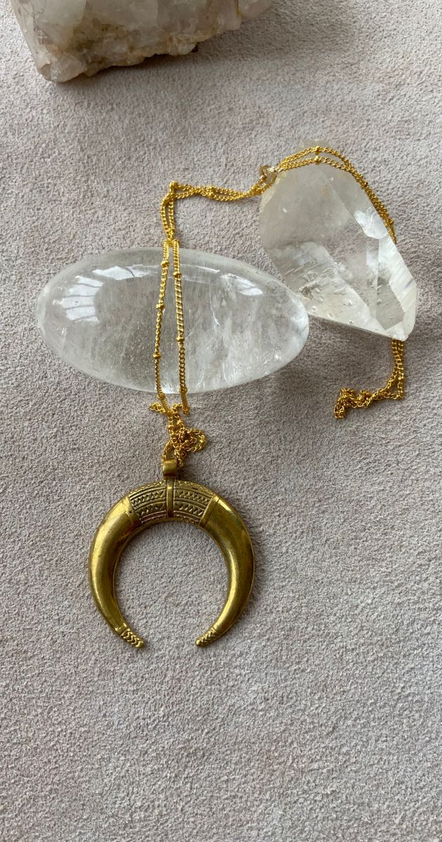 Necklace Gold half moon amulet