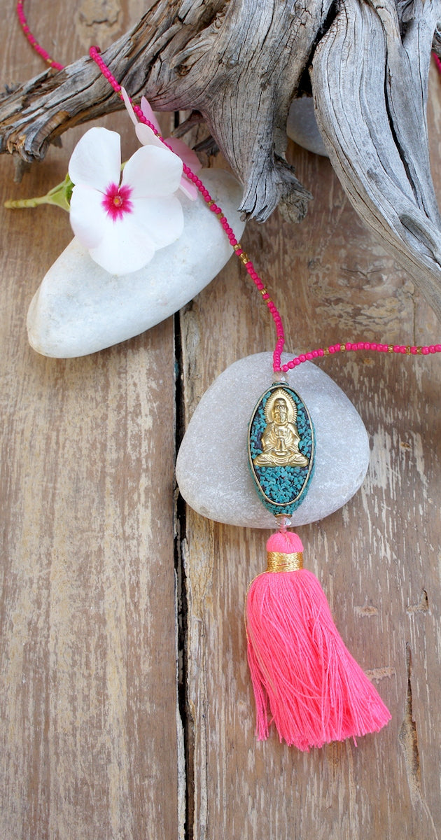 Buddha Figure in Resine Necklace