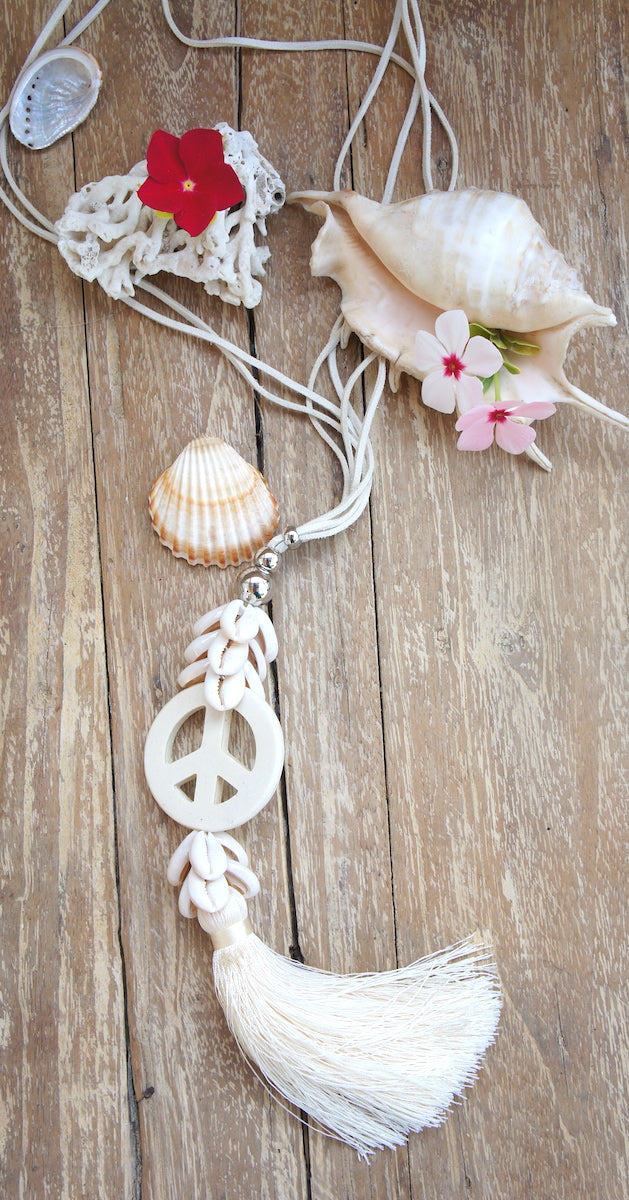 Necklace Shells & Peace