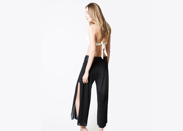 ZARIE INSIDE Wide Pants model back - Online Leggings Hong Kong