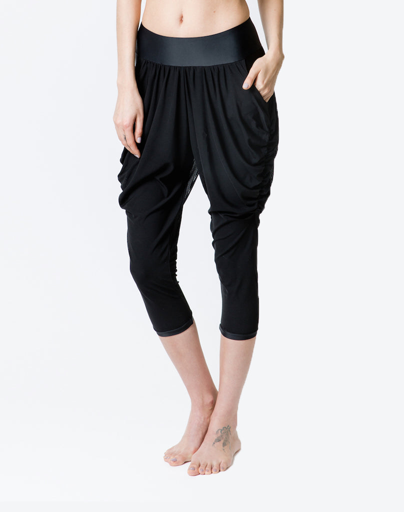 ZARIE INSIDE Harem Pants Front - Leggings Online Hong Kong