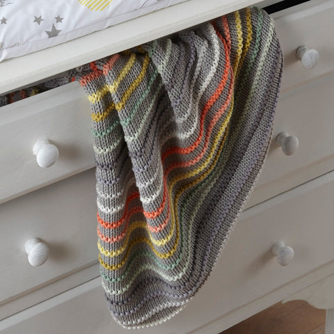 Thick knitted stripe blanket