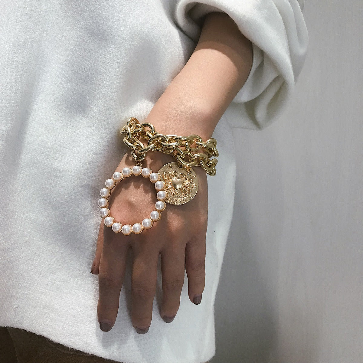 Exaggerated Crab Pearl Bracelet Hallow Metal Chain Bracelet Punk Multi Layer Bracelet For Women - 01