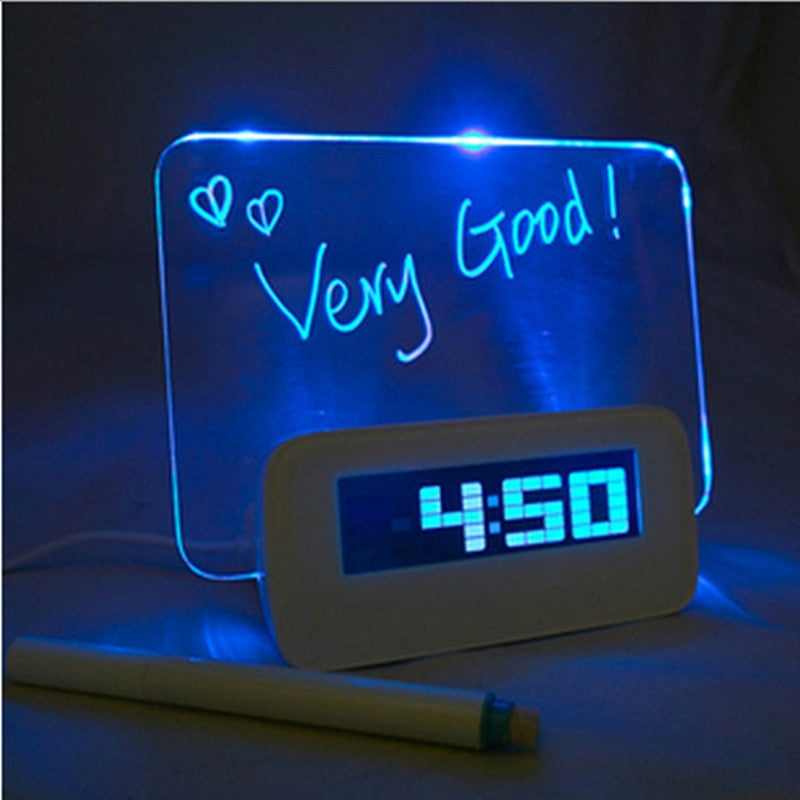 Wekker met fluorescerend LED text bord