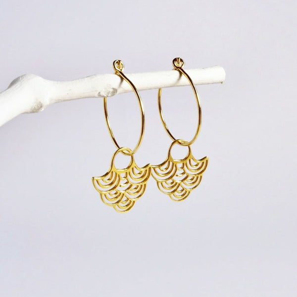 Gold Hoop Wave Earrings